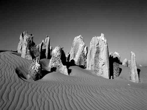 800px_pinnacles_western_australia.jpg - 15.39 kb